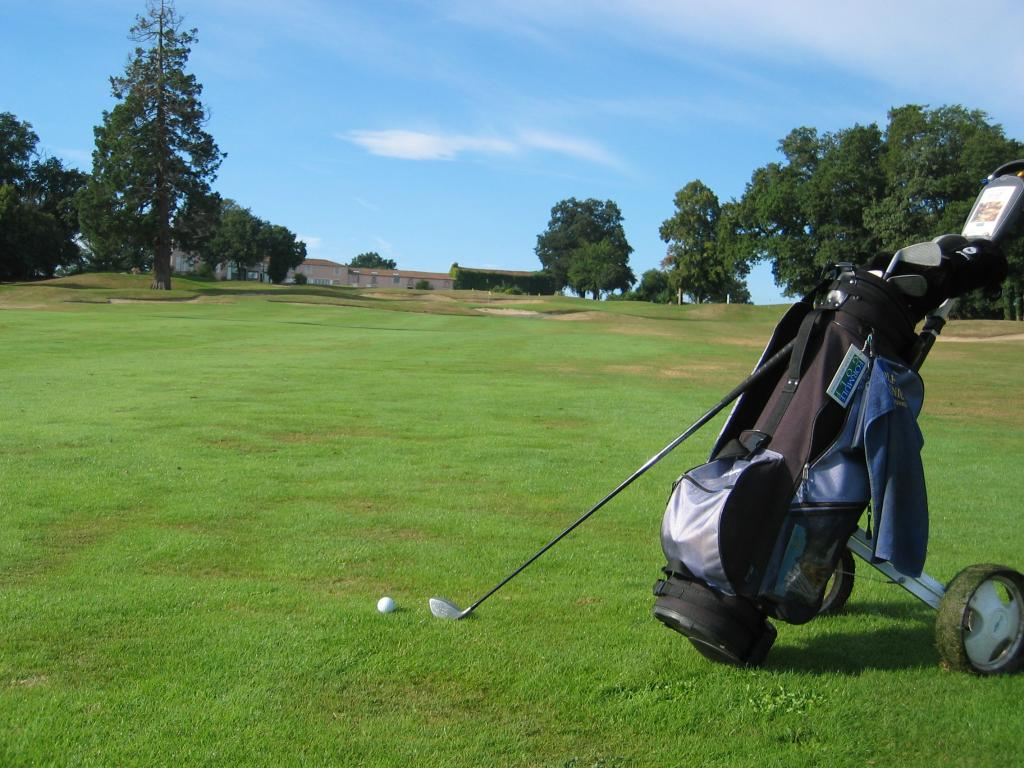 40_Golf_de_Nesmy_img001